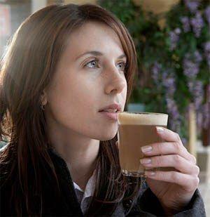 Bệnh mất ngủ nên tránh uống cafe