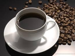 Người cao huyết áp không nên uống cà phê